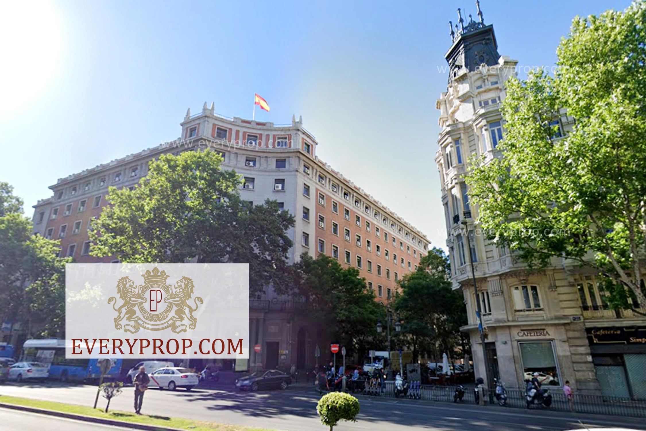 EP-31649 Ático de Lujo en Jerónimos Madrid