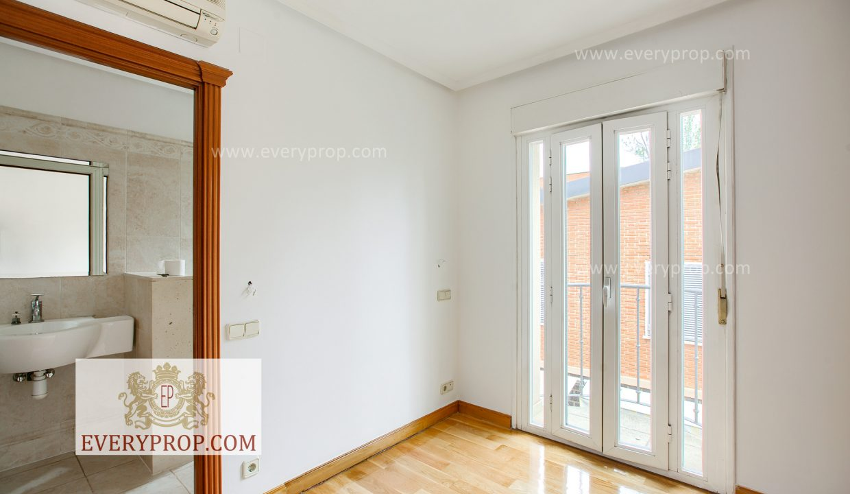 Chalet Nueva España Madrid. Esta es pisos en venta en el soto de la moraleja mansion mas cara de la moraleja, chalet la piovera venta