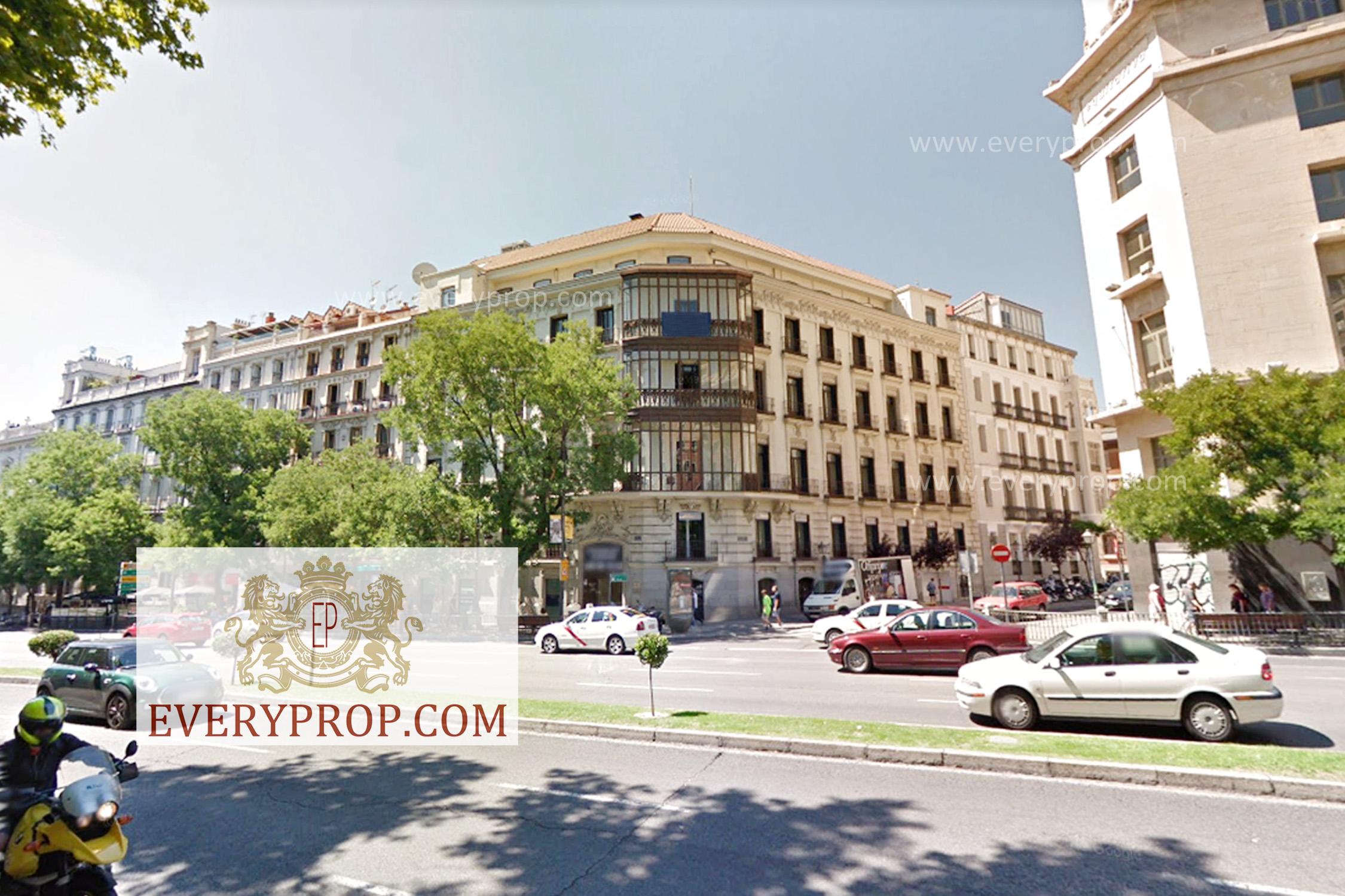 EP-31648 Ático de Lujo en Jerónimos Madrid