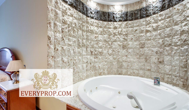 Chalet Santo Domingo Madrid. Además cual es el mejor portal inmobiliario de viviendas de lujo pisos en venta salamanca y jeronimos madrid